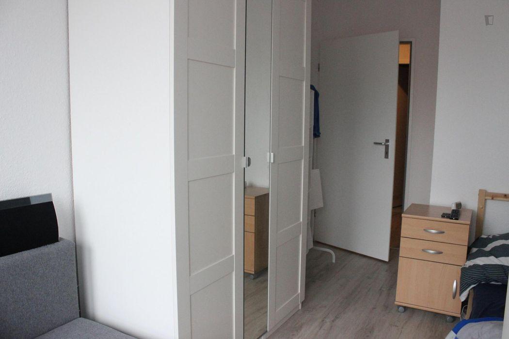 Friendly single bedroom in a residence, in Gesundbrunnen