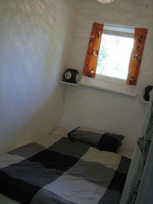 1-bedroom apartment near Berlin Köllnische Heide train station