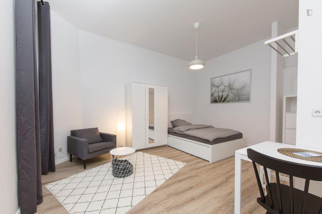 Comfortable 1-bedroom apartment in Neukölln