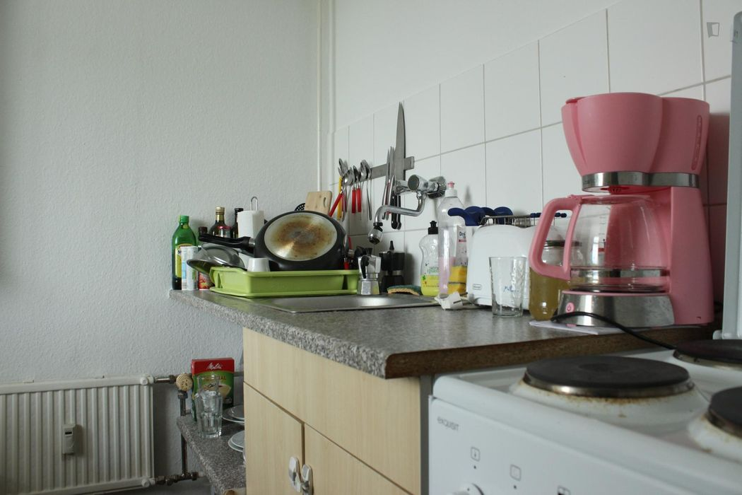 Single bedroom with an enclosed balcony in Friedrichshain