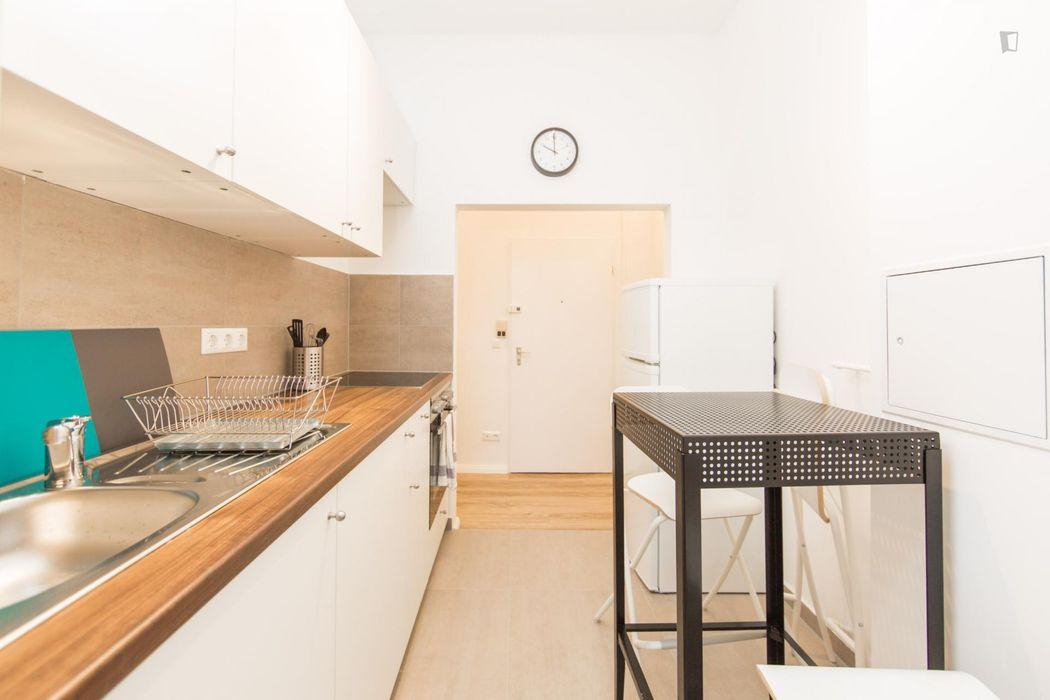 Nice single bedroom in Kreuzberg