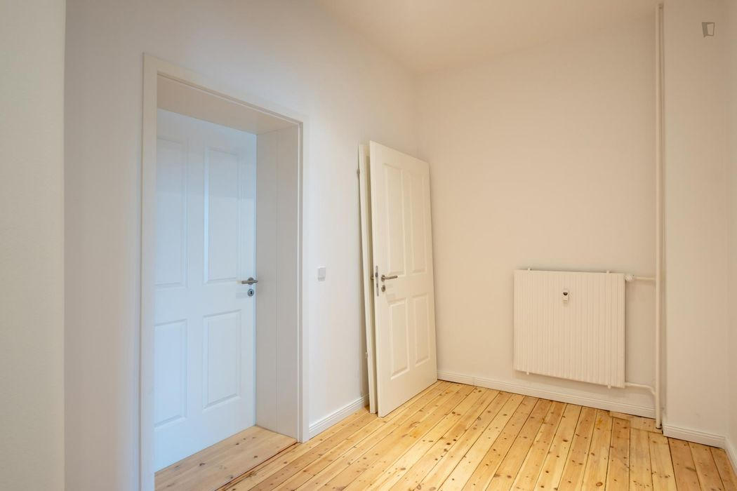 Appealing single bedroom near the Südstern metro
