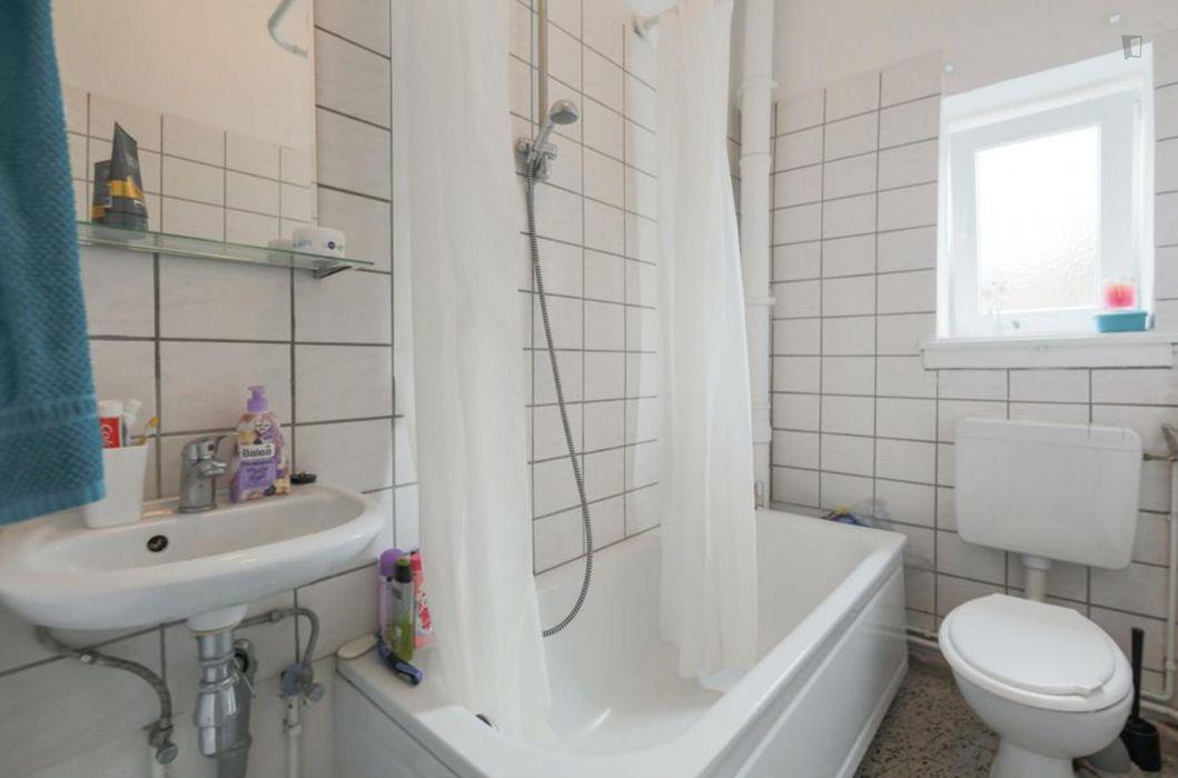 Bright Single Bedroom in the heart of Neukölln
