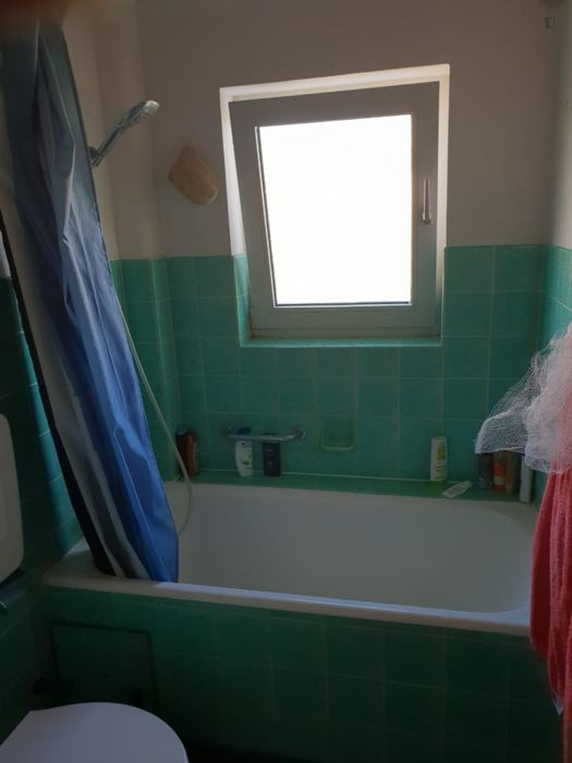 Comfy single bedroom in a shared flat in Bietigheim, near