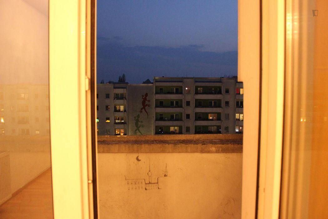 Snug single bedroom in a flat in Friedrichshain