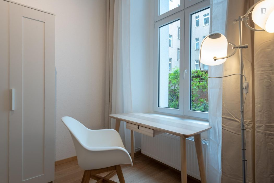 Excellent single bedroom near the Schönhauser Allee metro