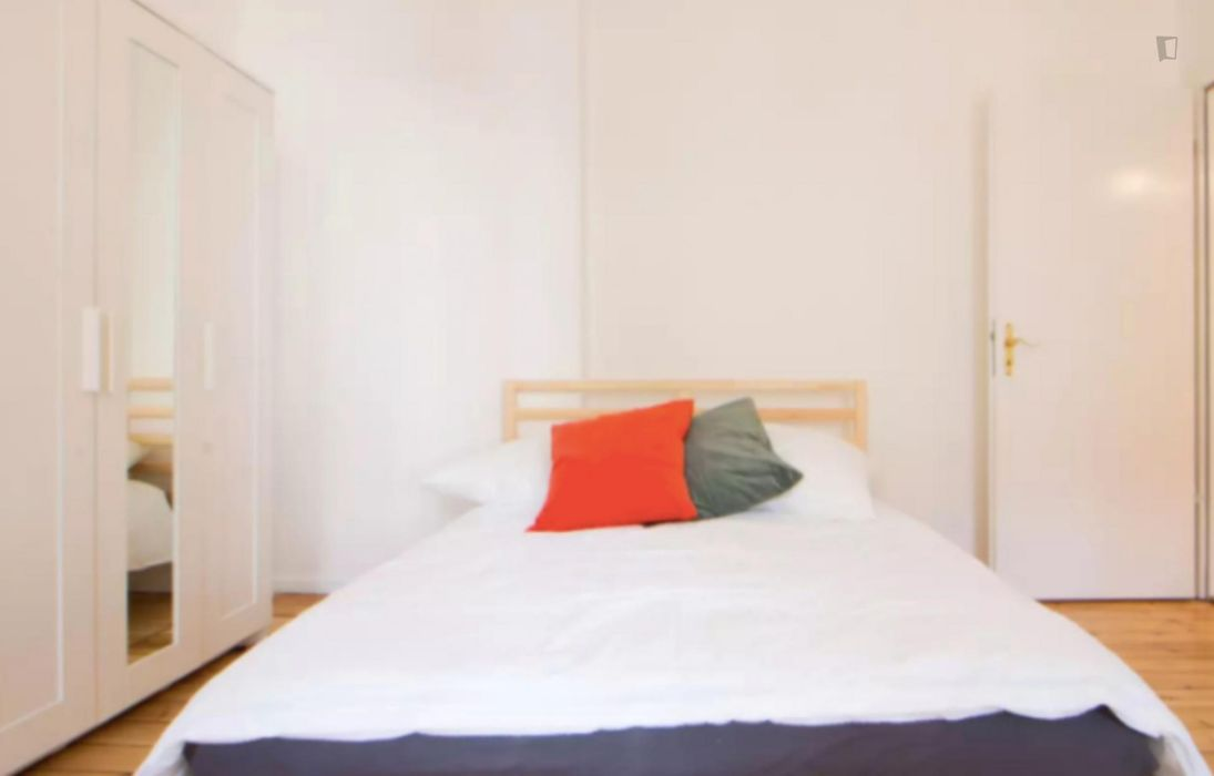 Comfy 1-bedroom apartment near Greifswalder Straße transport stop