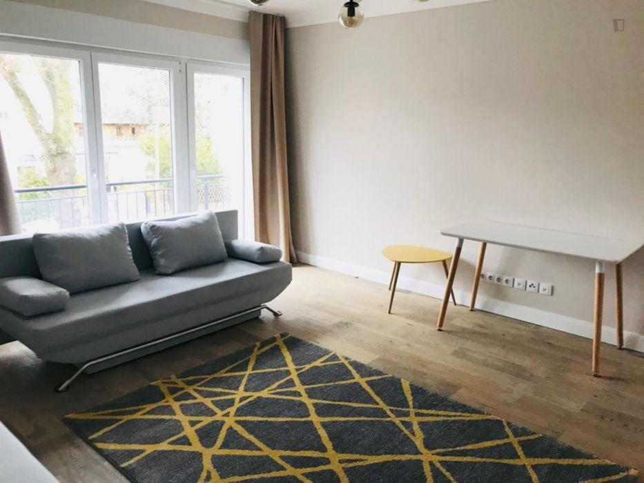 Charming 2-bedroom apartment near Saaleckplatz