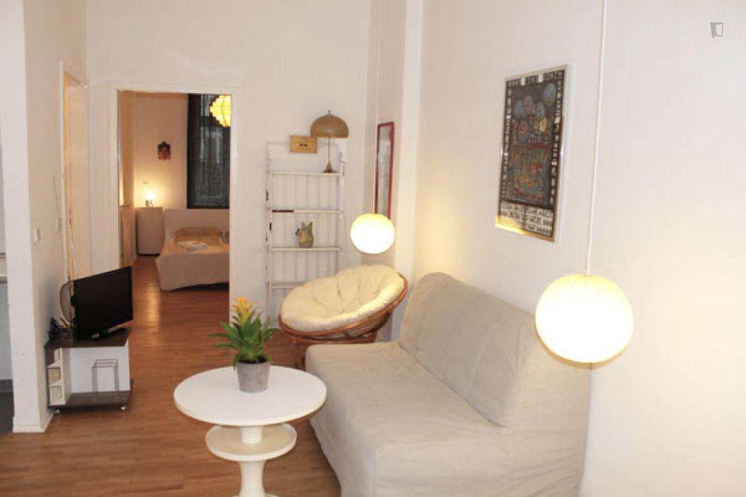 Modern 1-bedroom apartment near the Eberswalder Straße metro