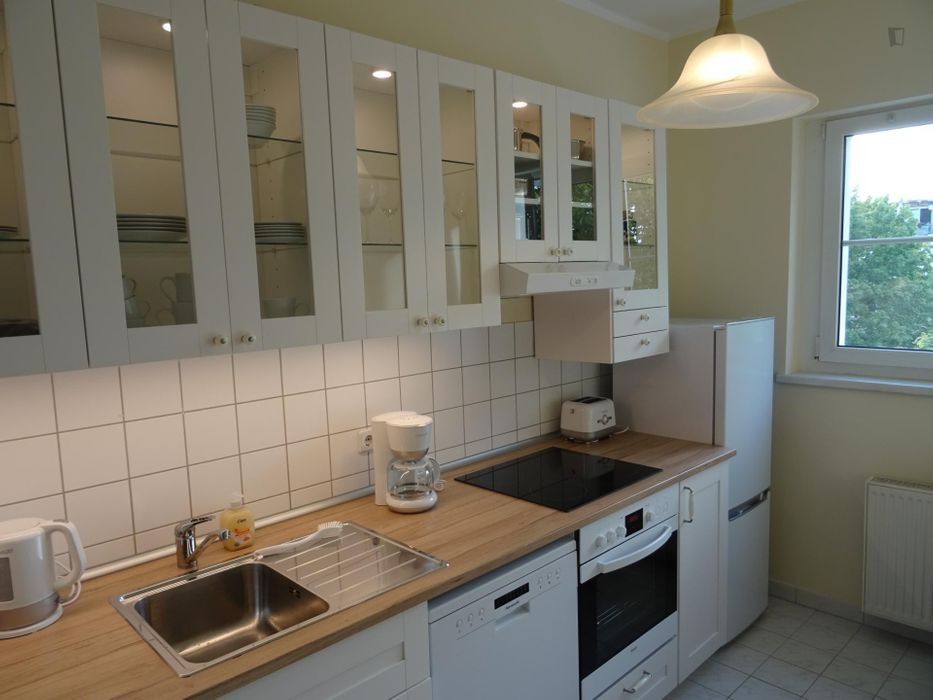 Perfectly equipped apartment with direct transport connection to Alexanderplatz
