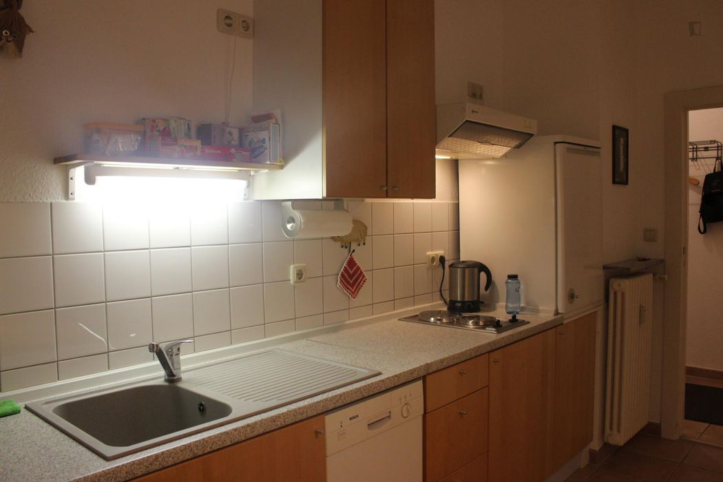 Cosy double bedroom close to Ottopark