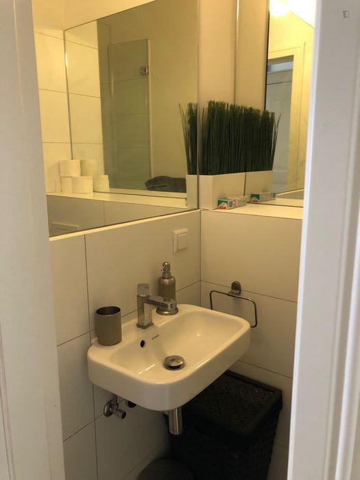 1,5 bedroom apartment near U Boddinstr. Berlin transport station