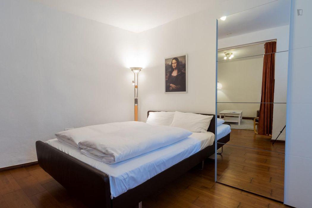 Welcoming 1-bedroom apartment near the Rosenthaler Platz metro