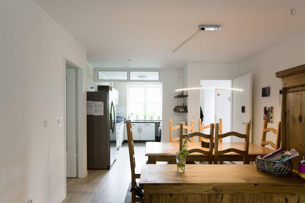 Cozy room in sunny 130sqm apartment with terrace