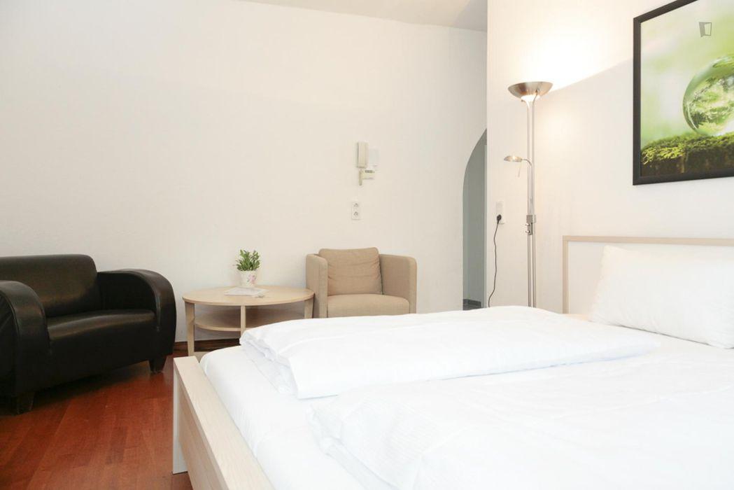 Bright and elegant 1-bedroom apartment in Mitte
