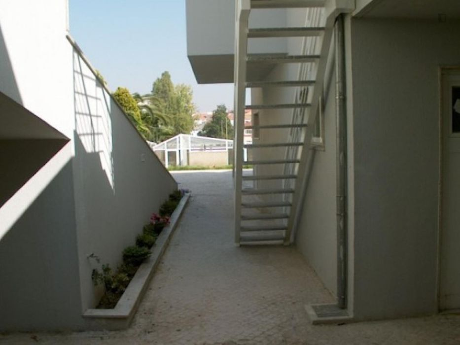 1-Bedroom apartment in well-connected Aldoar