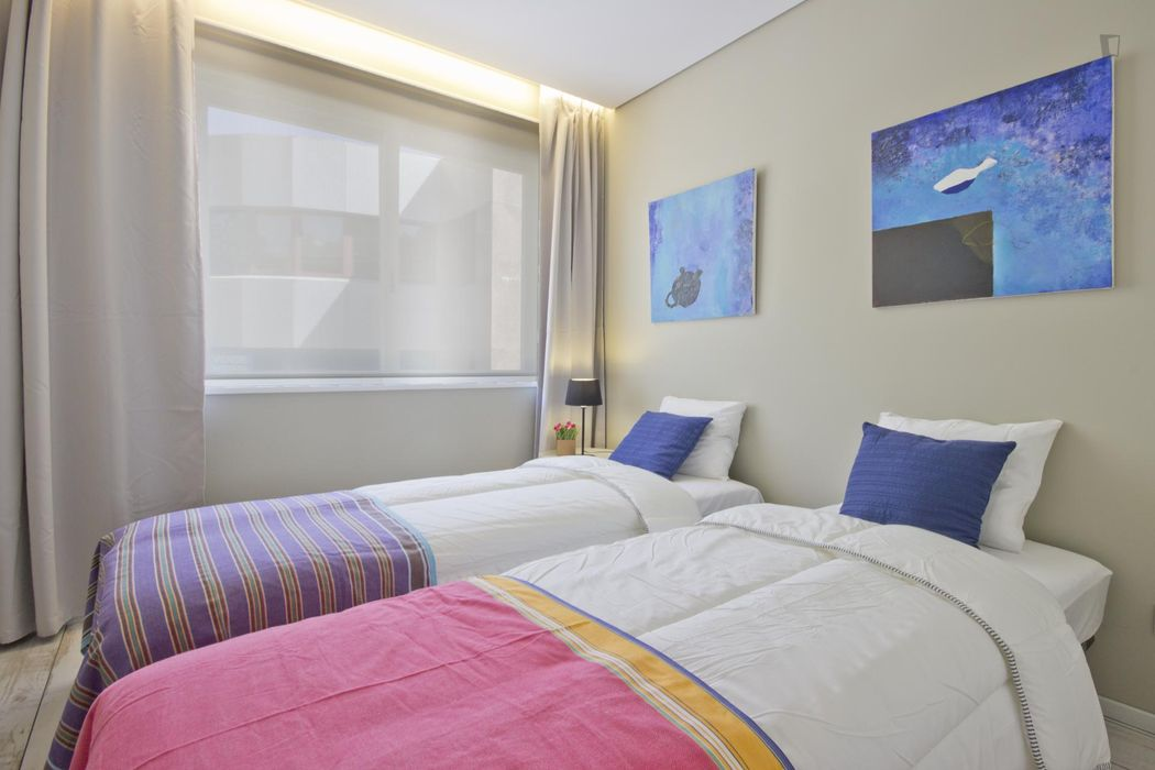 Sunny 2-bedroom apartment in Cedofeita