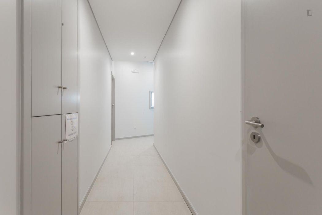 Good looking 1-bedroom apartment right next to ESMAE - Escola Superior de Música, Artes e Espectáculo