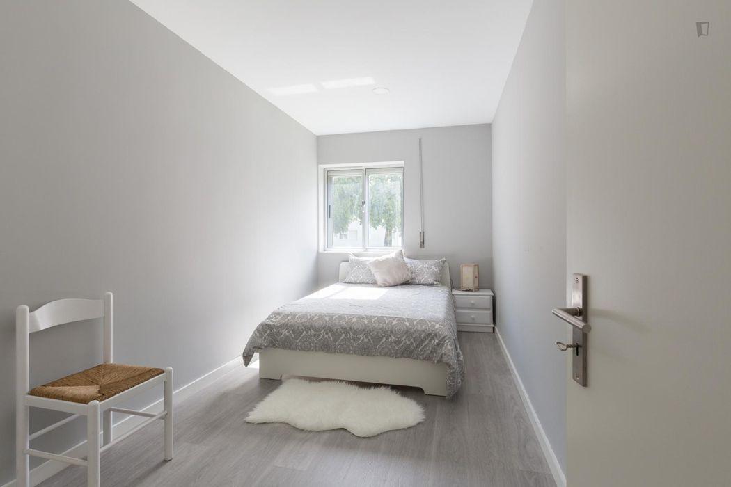 Modern 3-bedroom apartment in Porto
