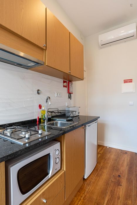 Brand new, fully equipped 1 bedroom apartment
