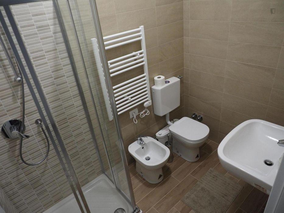 Comfortable single bedroom in Crocetta