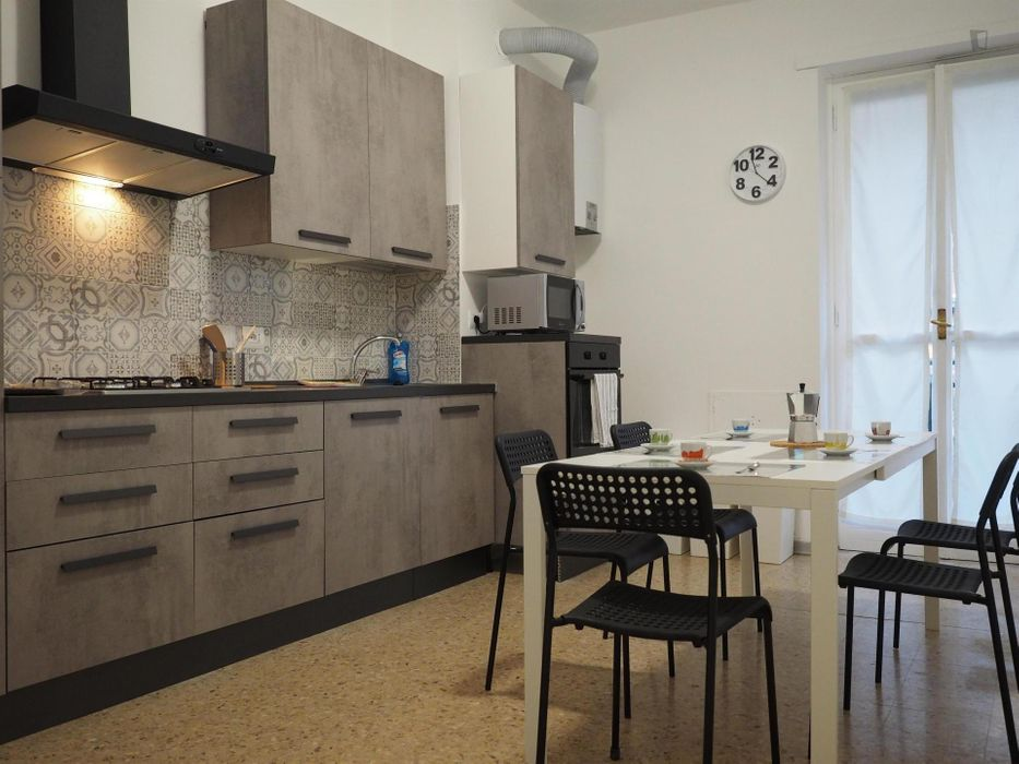 TitleLuminous single bedroom in Turin