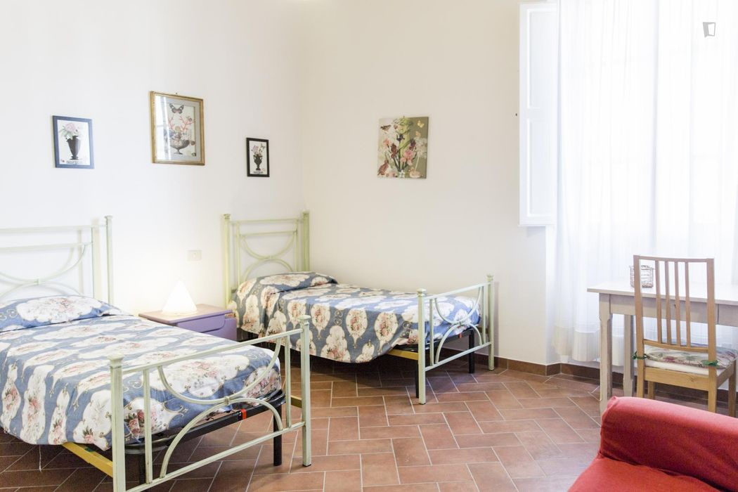 Large 3-bedroom apartment in Santa Croce, with terrace