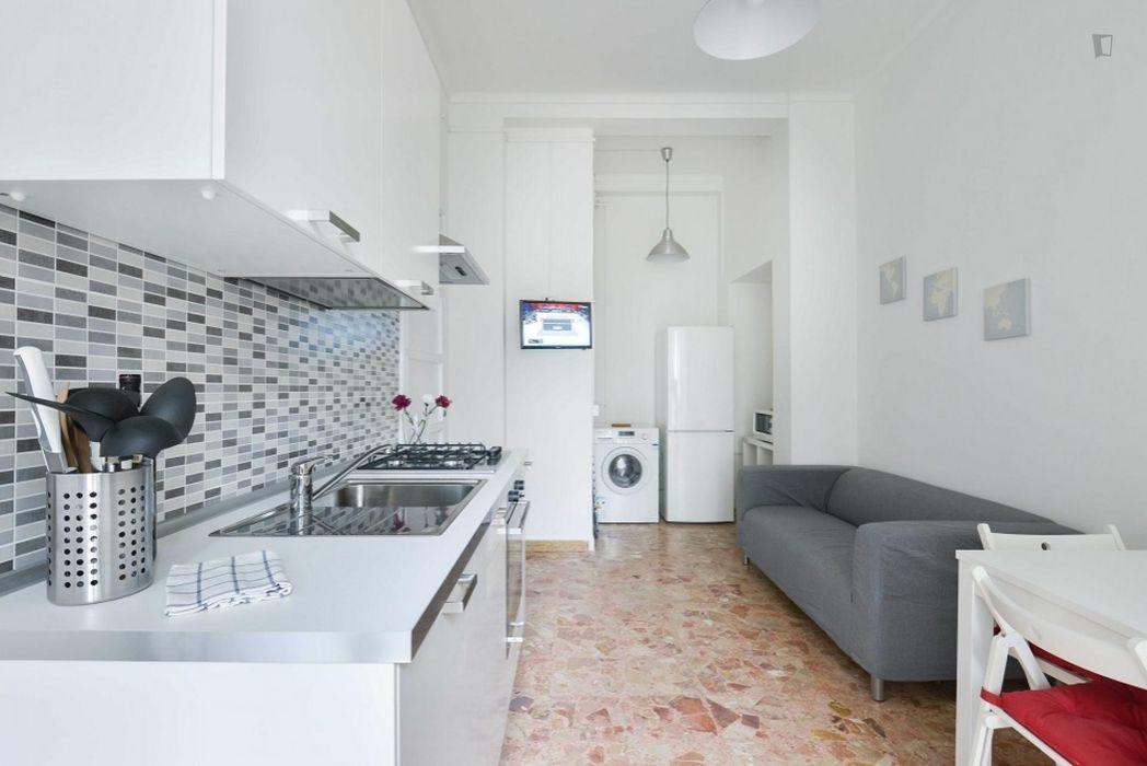 Stunning single bedroom in the Milan Barrier neighbourhood