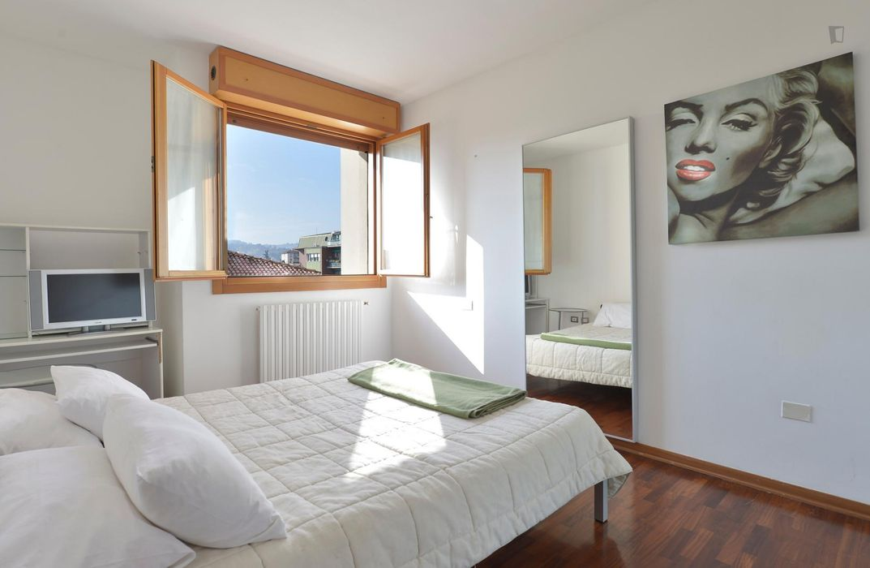 2-Bedroom apartment near Bologna Mazzini train station