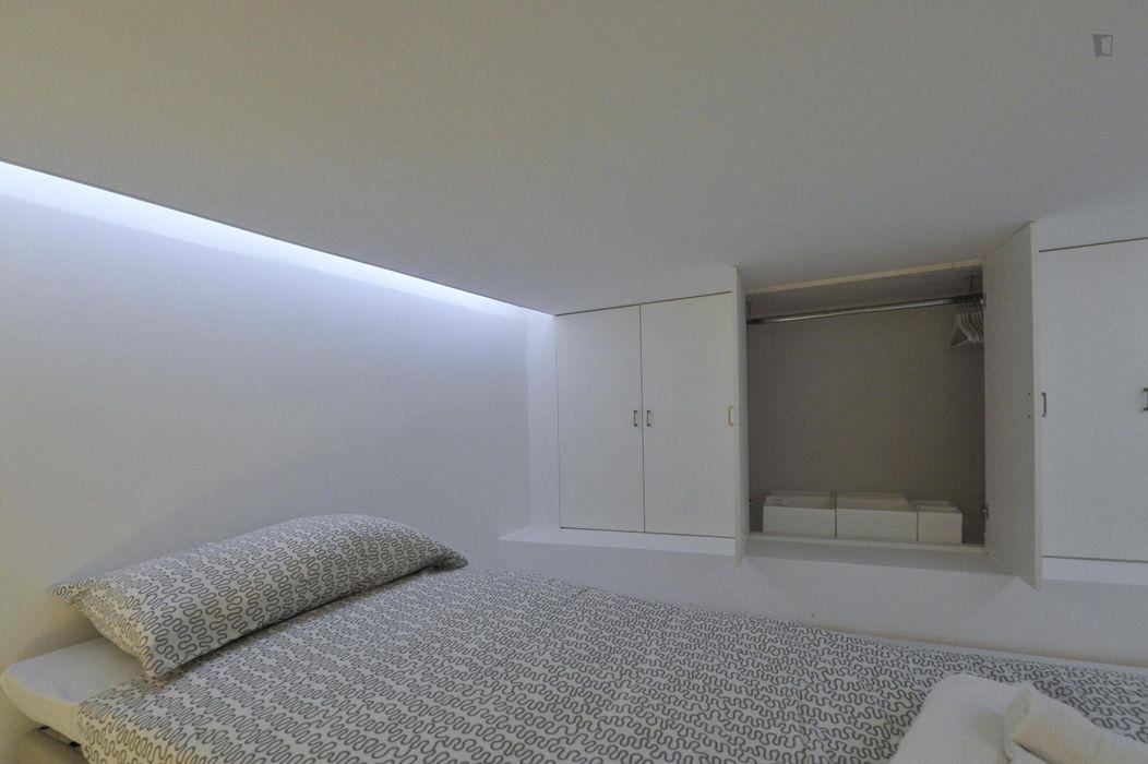 Beautiful 1-bedroom apartment close to Alma Mater university