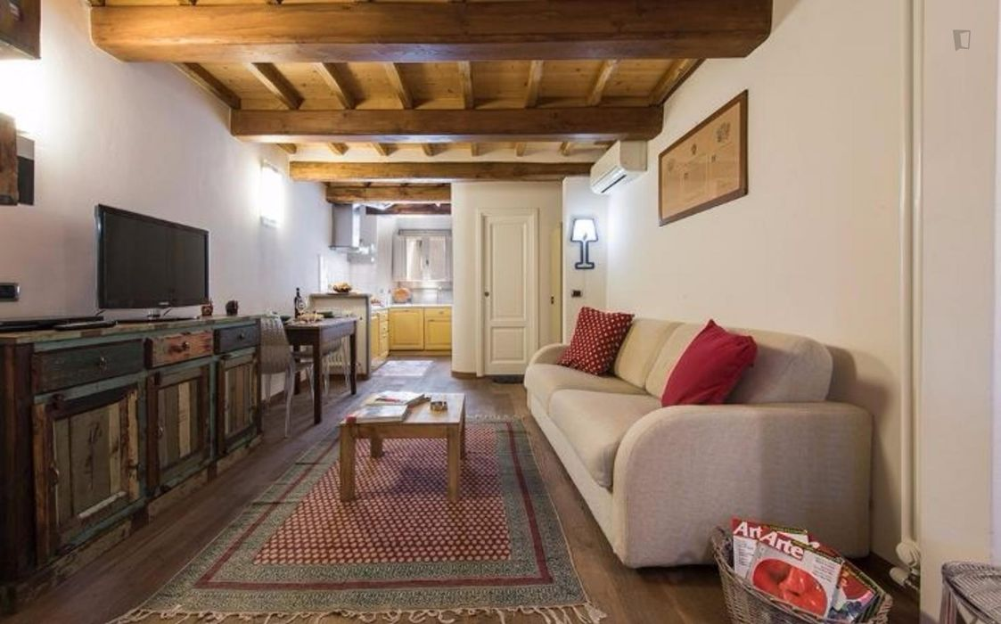Colourful 1-bedroom apartment near the Santa Maria Novella train station