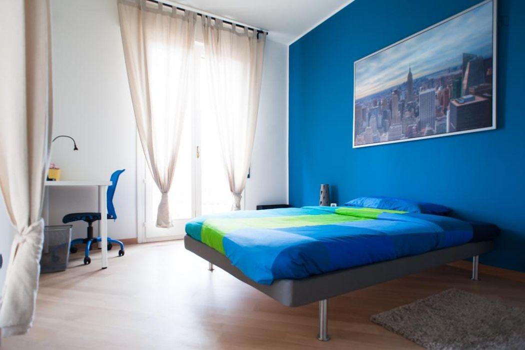Spacious double bedroom in the Centro neighbourhood