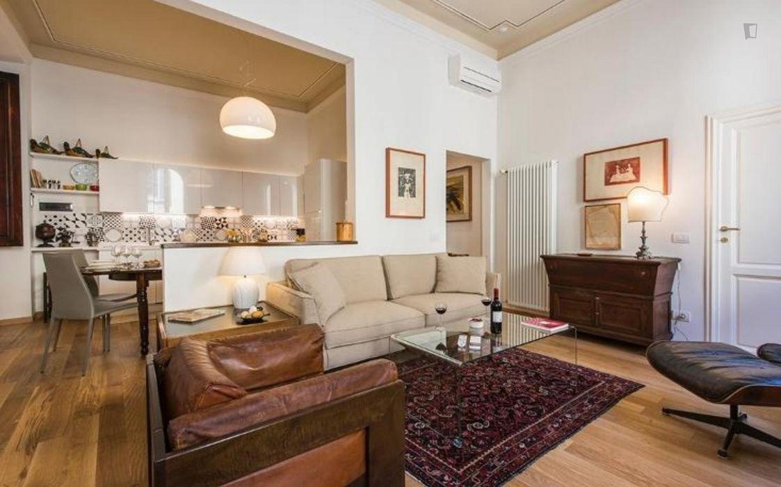 Wonderful three bedrooms flat in Duomo district