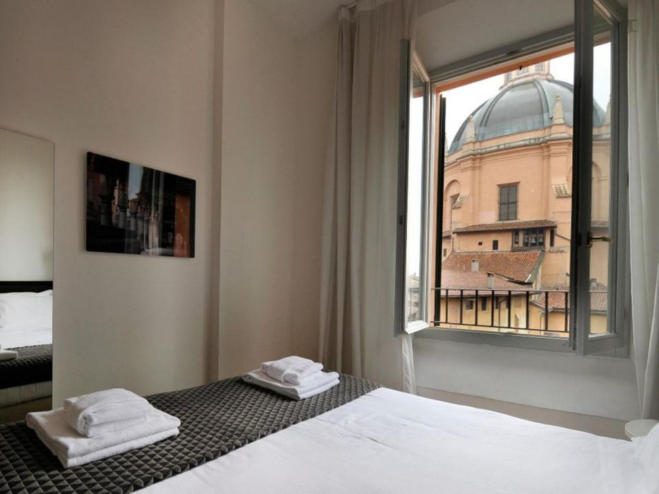 Amazing 2-bedroom apartment in Bologna city centre