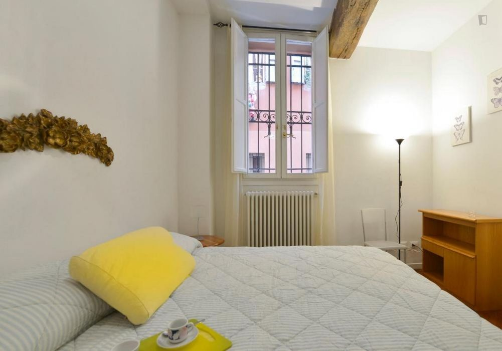 Elegant and modern 1-bedroom apartment in the centre of Bologna
