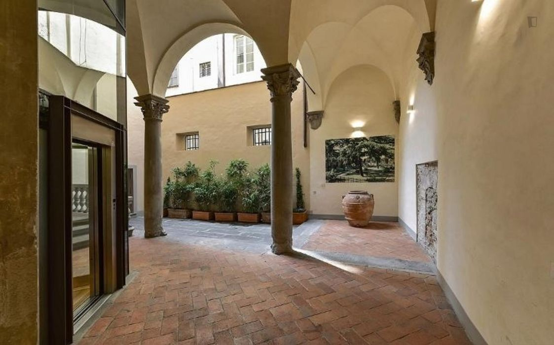 Elegant 1-bedroom apartment in San Frediano