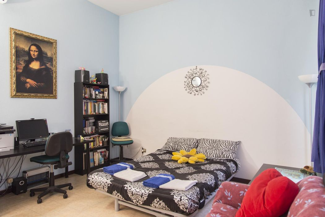 Double bedroom with lots of space in the Centro Storico district