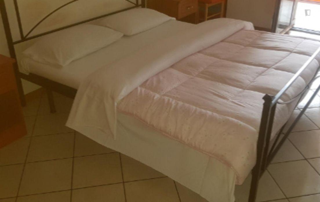 Cosy double bedroom in Ponte alle Mosse Neighborhood