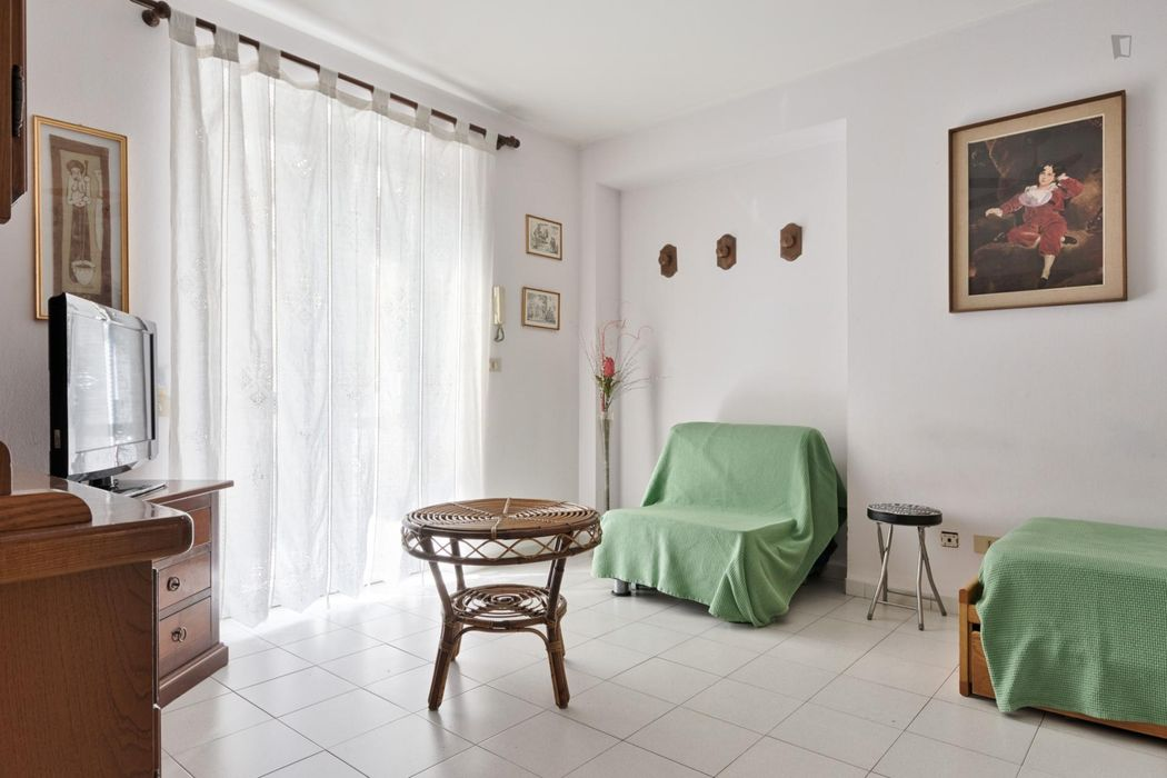 2-bedroom apartment near the Spezia metro