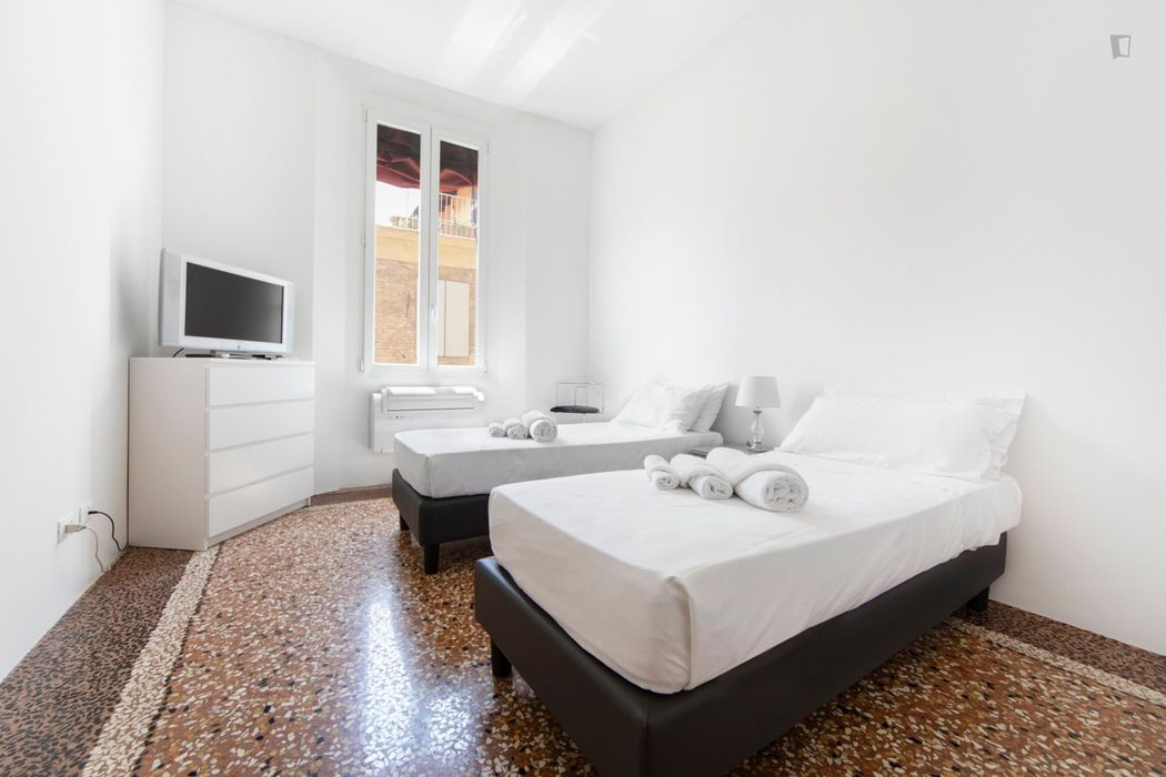 Incredible 3-bedroom apartment near Piazza Maggiore