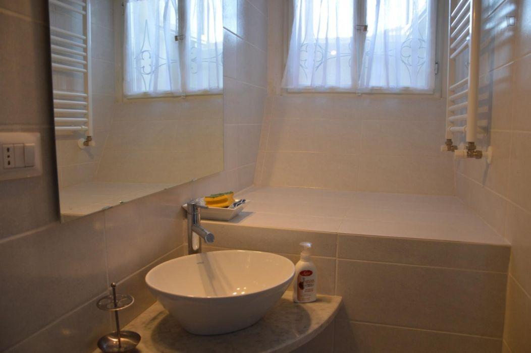 Appealing double bedroom near Universita' Degli Studi Di Firenze Facolta' Architettura
