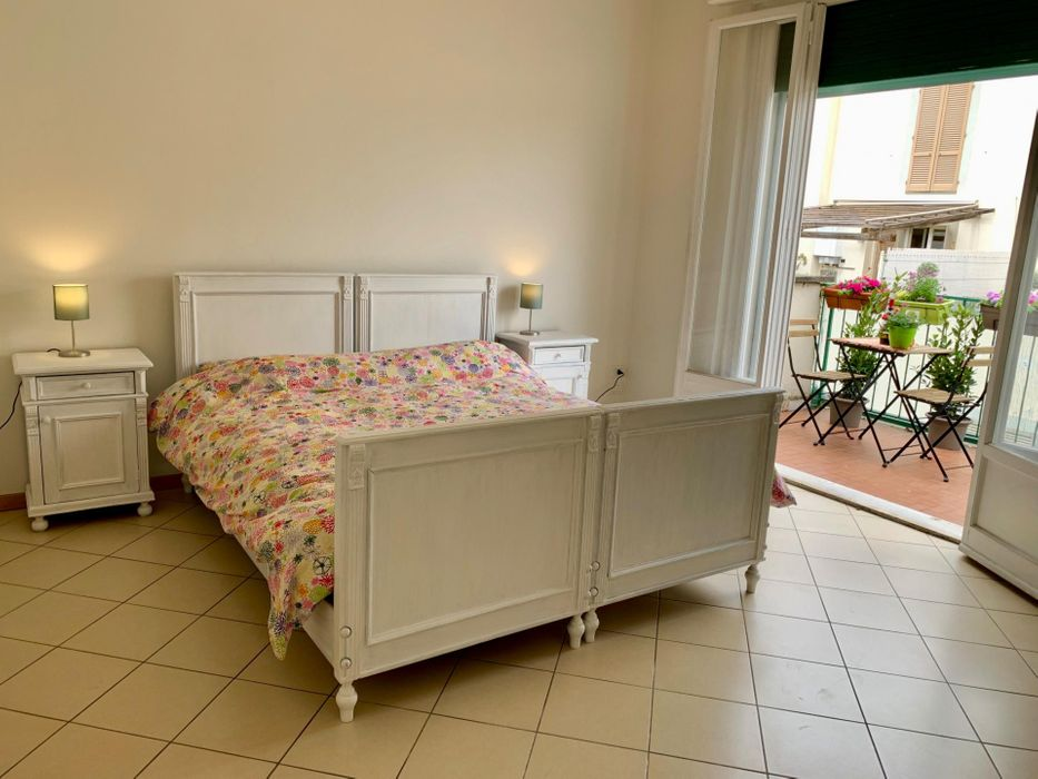 Twin bedroom, with private balcony, in 2-bedroom apartment