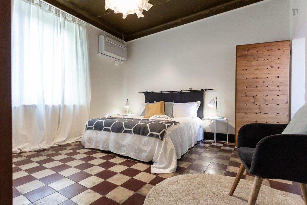 Stylish 1-bedroom apartment close to Scuola di Ingegneria e Architettura dell'Università di Bologna