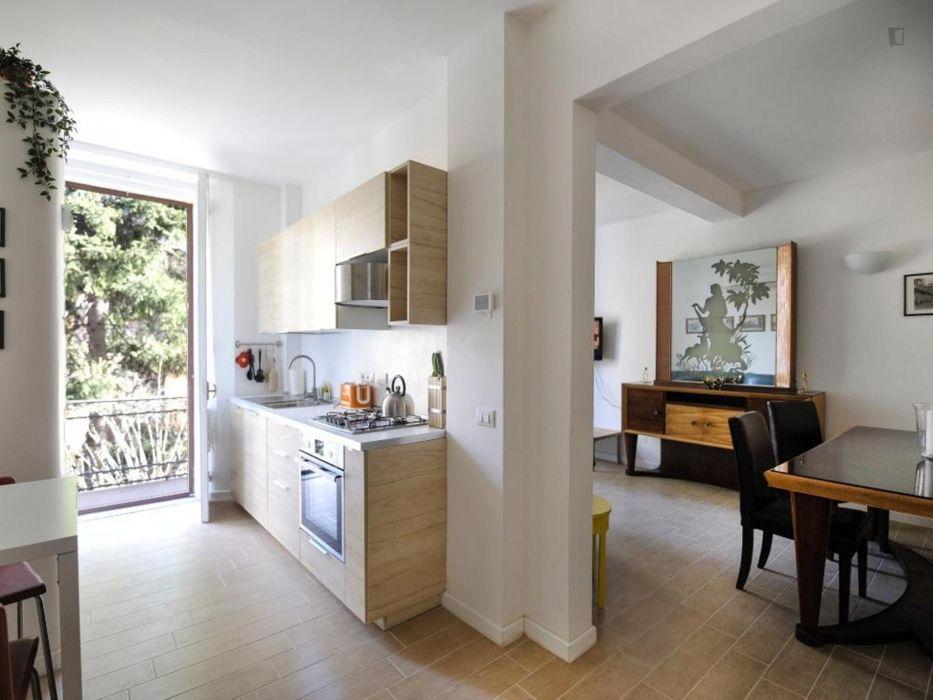 Bright and romantic 1-bedroom apartment near Porta San Mamolo
