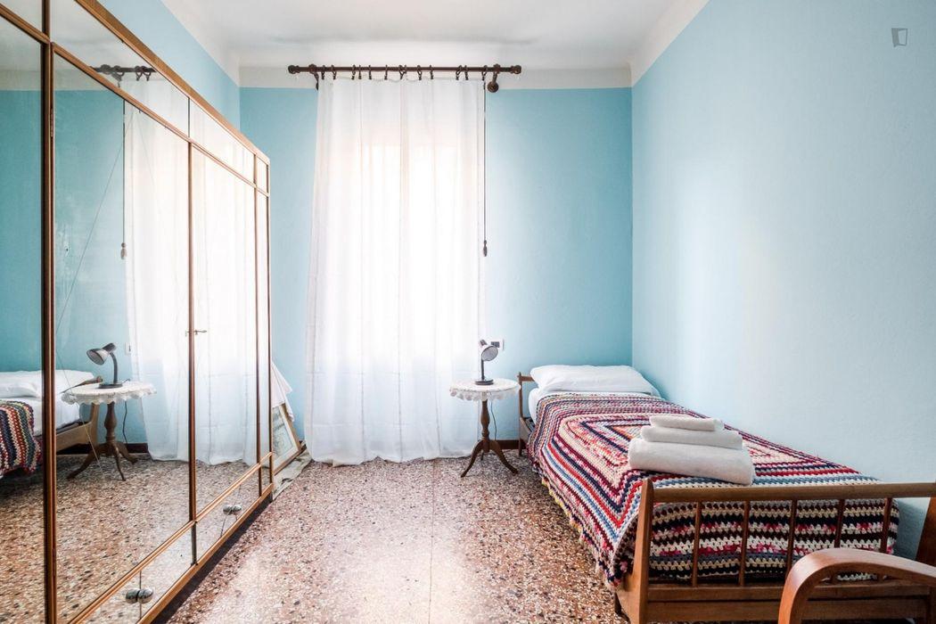 Bright 3-bedroom apartment close to Policlinico S. Orsola-Malpighi