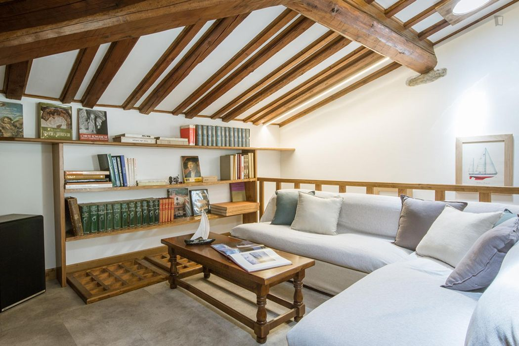 4-Bedroom apartment near Firenze Campo di Marte transport stop