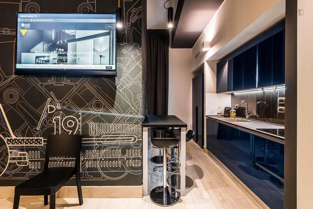 26 Elegance Studio -HEPA UV Germicidal Air Purifer