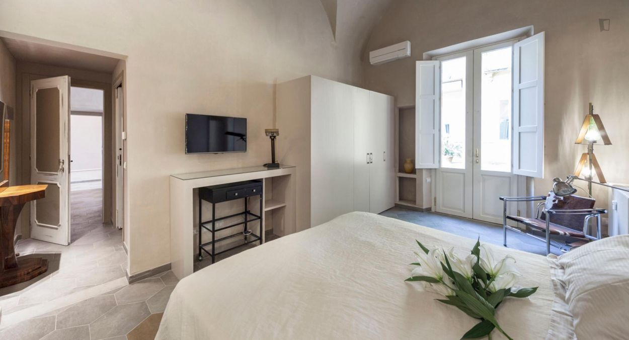 Nice 2-bedroom apartment near Basilica di San Lorenzo