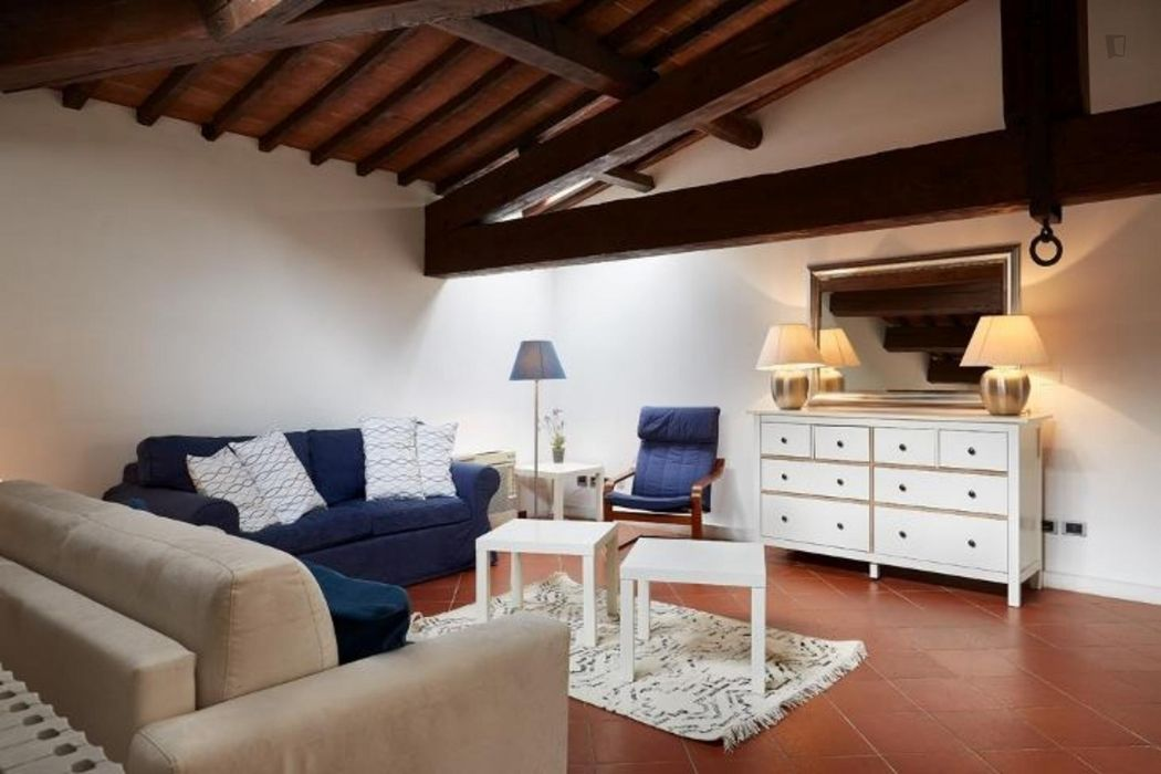 Offer Amazing three bedrooms flat in Duomo district