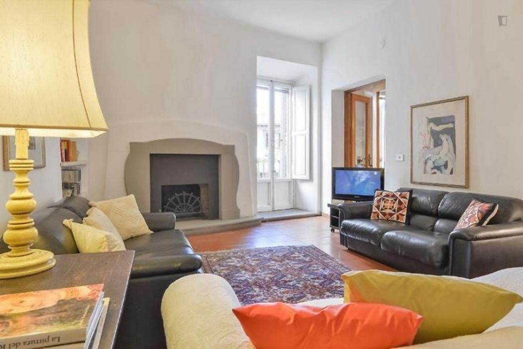 Wonderful three bedrooms flat in Santa Croce district